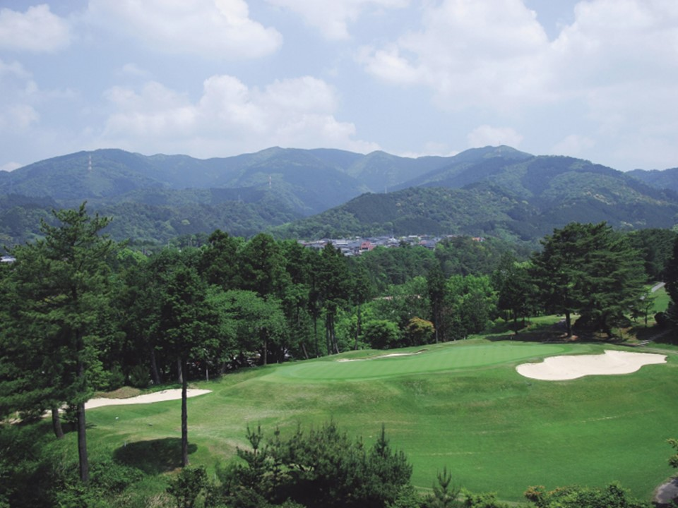 松山ゴルフ倶楽部