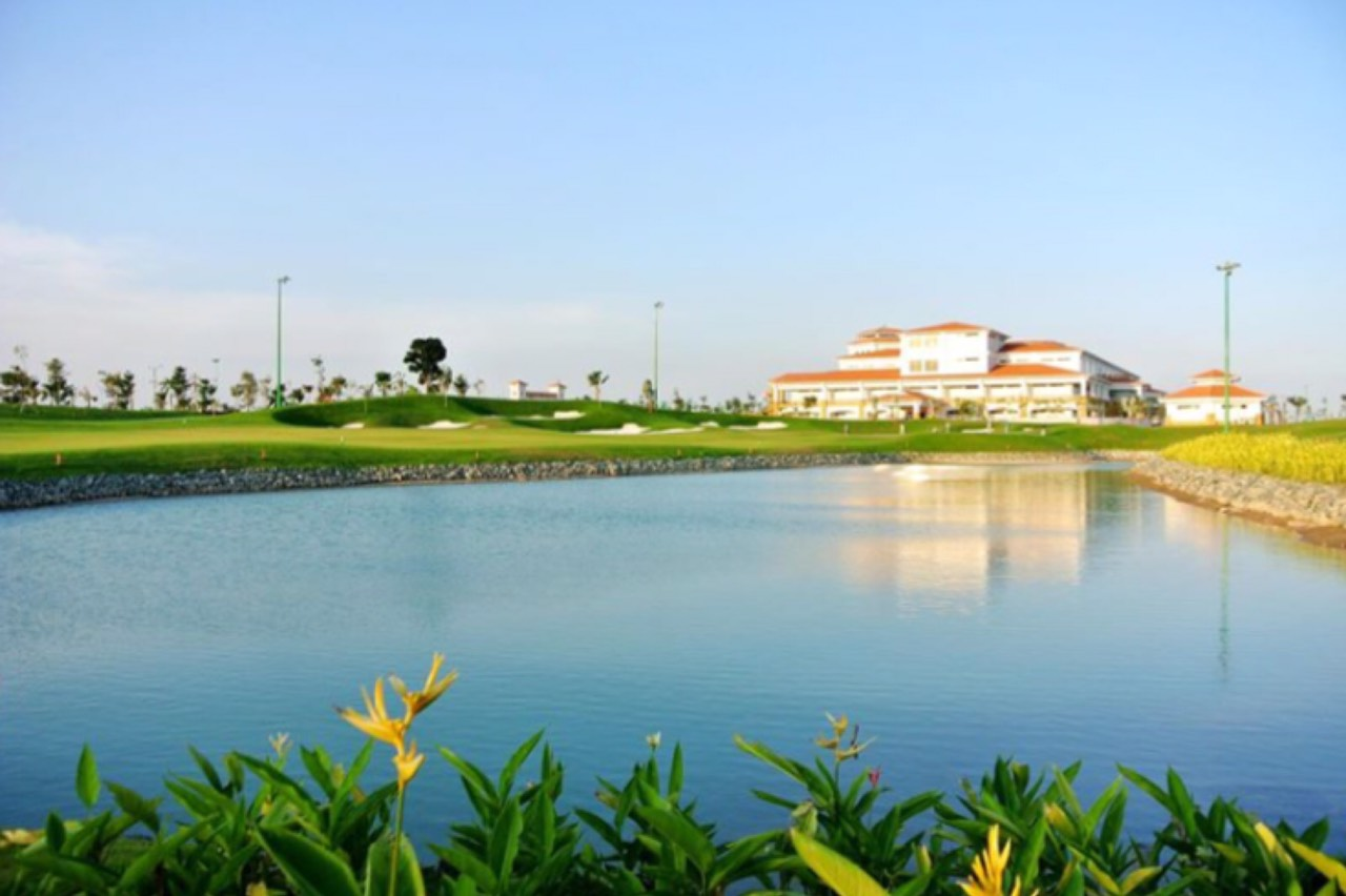 海外・タンソンニャットゴルフコース